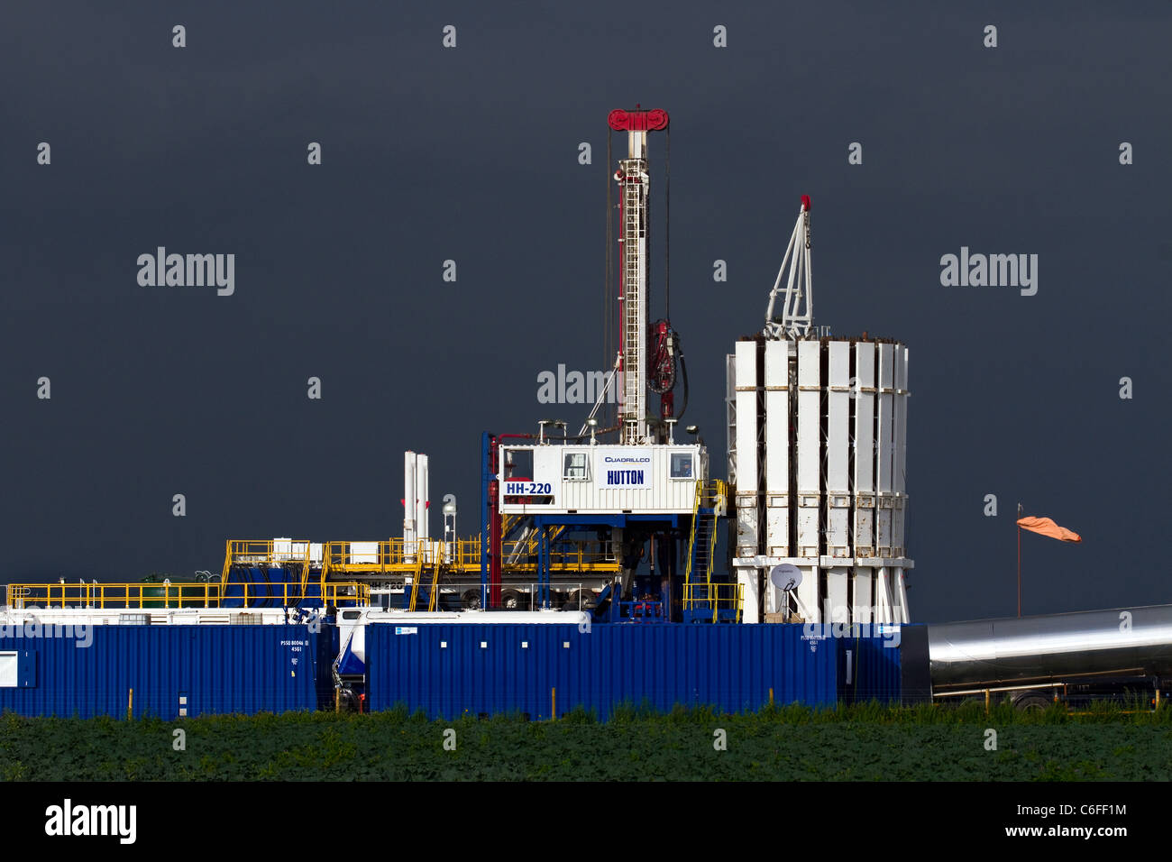 Stormy Weather over Cuadrilla Resources drilling equipment at Shale Gas Drill Site, Becconsall, Southport, Lancashire. - Stock Image
