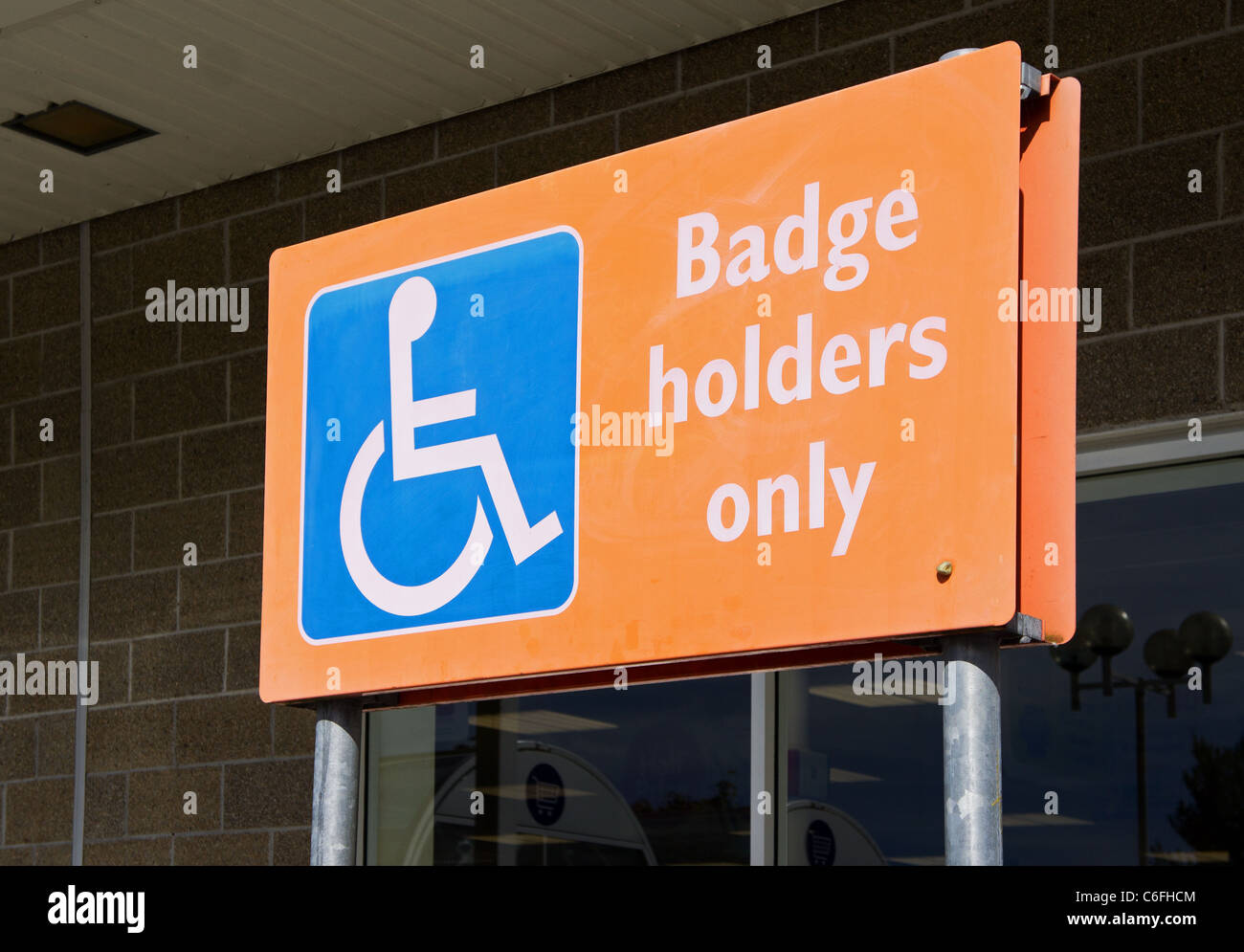 A blue badge parking sign - Stock Image