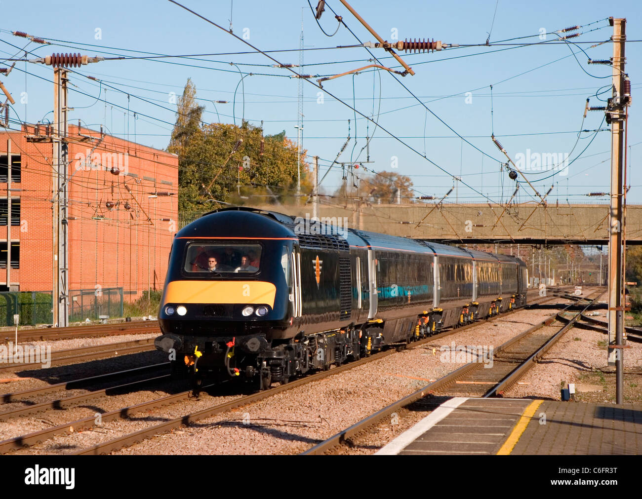 An HST working the Grand Central franchise launch special at Welwyn Garden City. 9th November 2007. - Stock Image