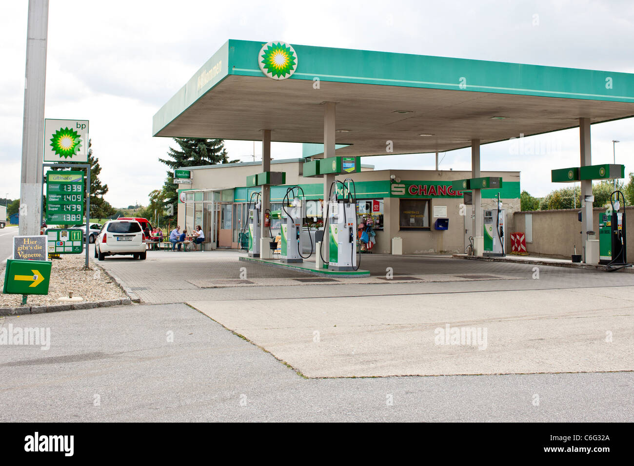 BP gas filling station Stock Photo: 38462322 - Alamy