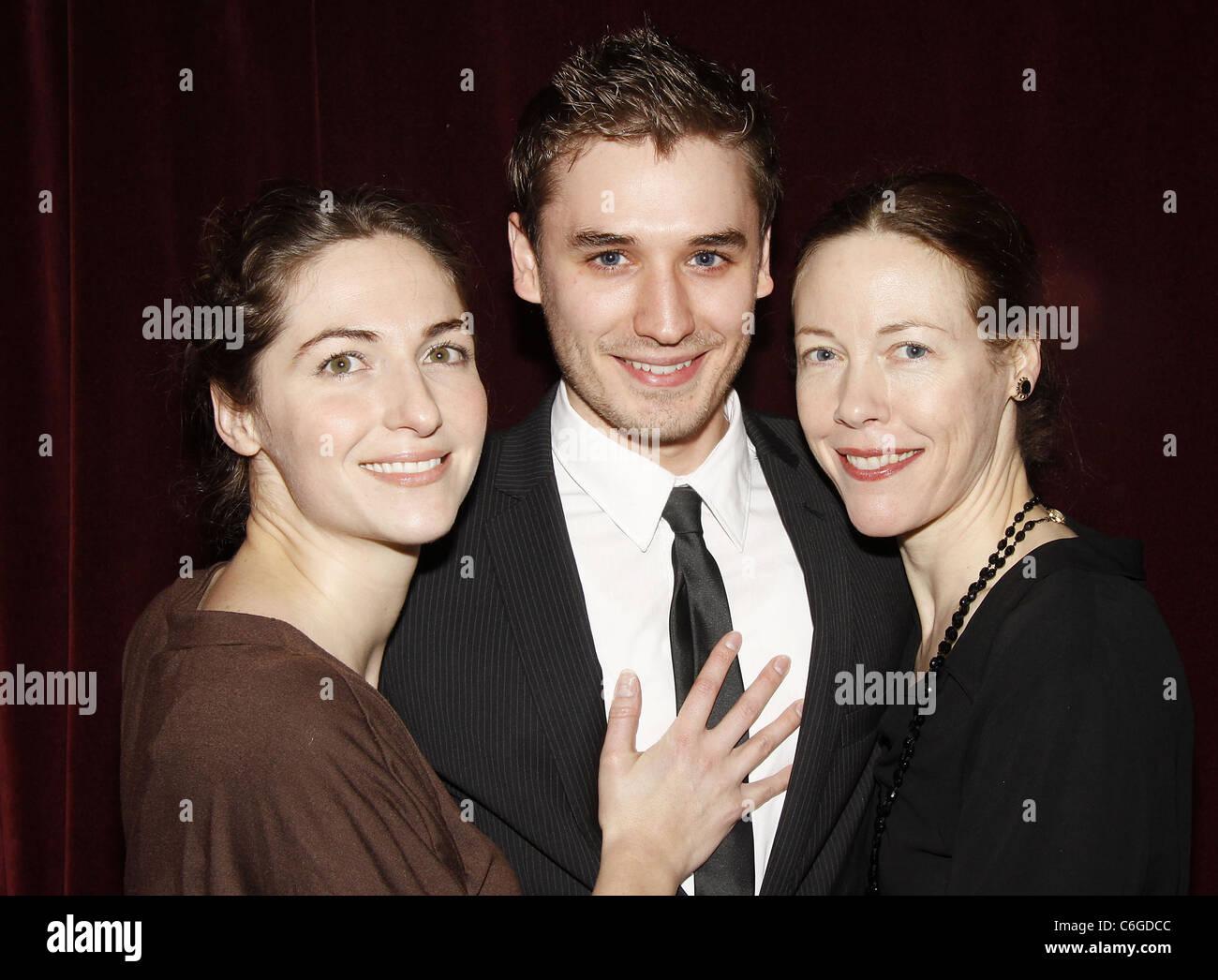 Liz Stauber,Jackie Rice (b. 1990) Hot picture Kathie Lee Gifford,Sarah Shahi