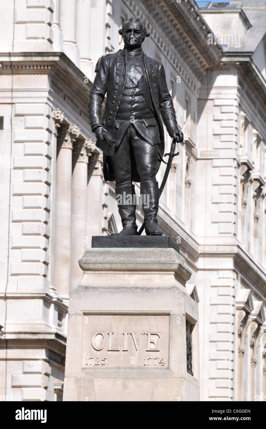 Robert Clive statue, Major General Robert Clive, Clive Steps, London, Britain, UK - Stock Image