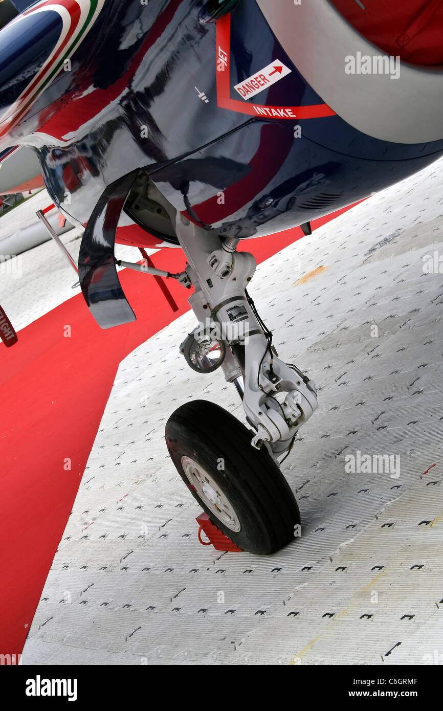 Close up of landing gear or undercarriage of a fighter jet - Stock Image