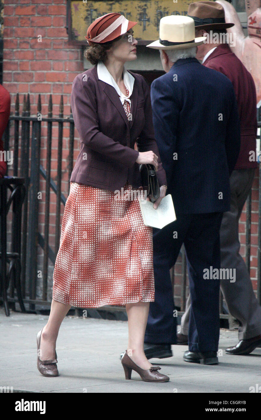 Kate Winslet on the set of 'Mildred Pierce' shooting on location in Manhattan New York City, USA - 19.04.10 - Stock Image