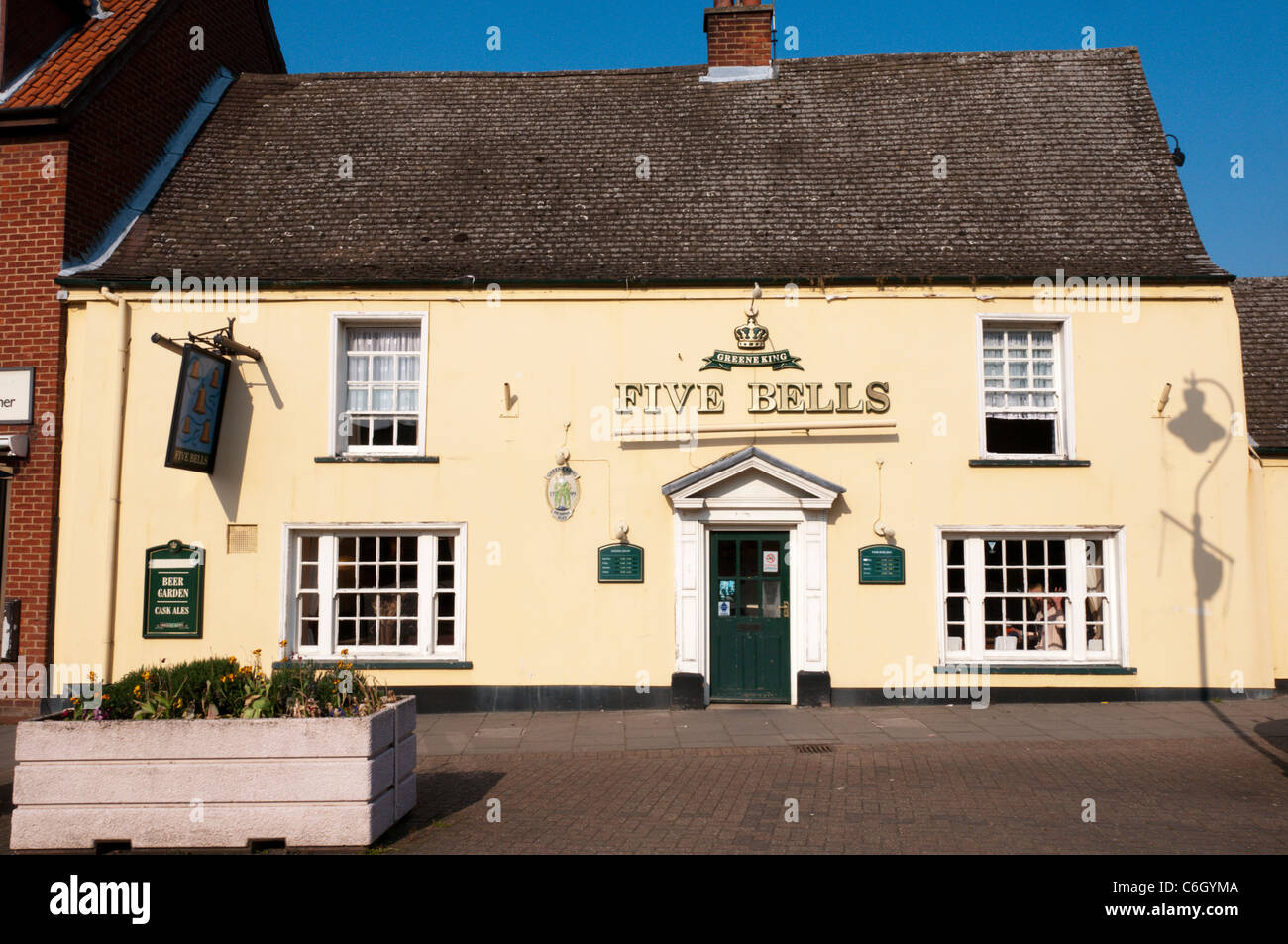 The Five Bells pub in the market place at Brandon, Suffolk. - Stock Image