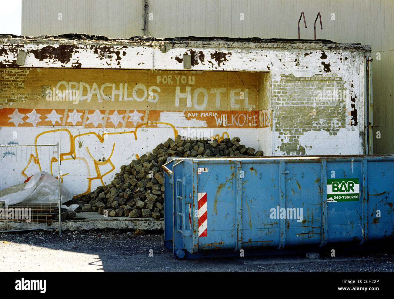 Remaining part of a demolished building used as a shelter by homeless people in the city of Hamburg. - Stock Image