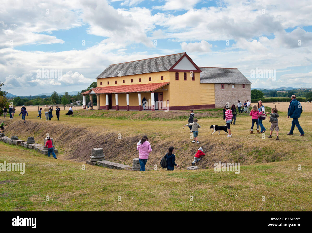 Re-construction of Roman town house villa at Wroxeter Roman city site, Shrewsbury, Shropshire, as seen in TV series - Stock Image
