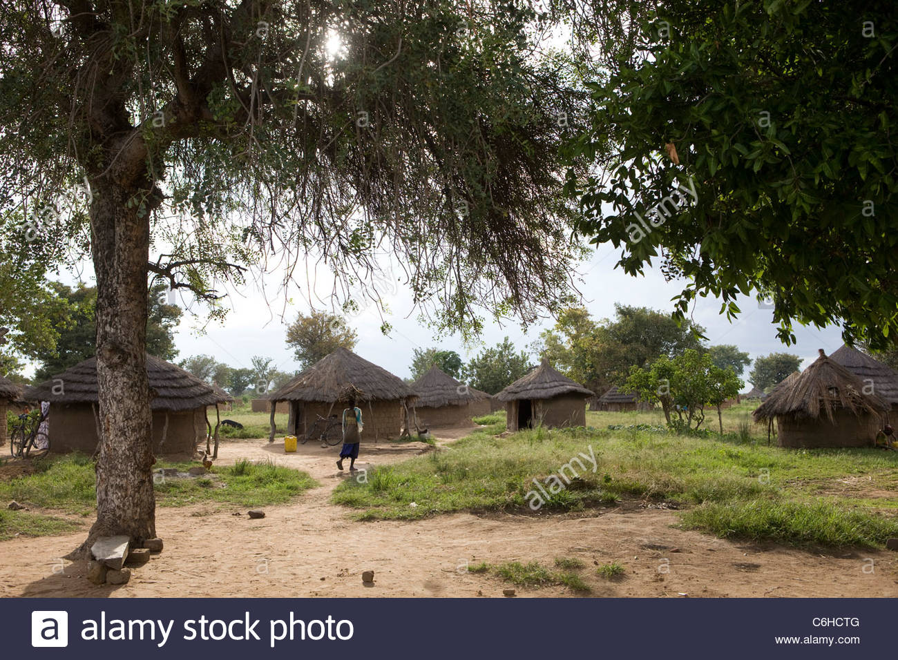 Acowa refugee camp with mud and thatch huts - Stock Image