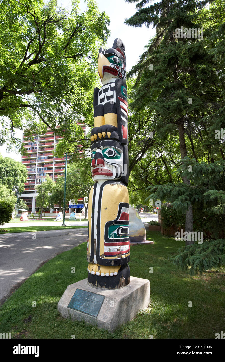 kawkiutl first nations totem pole in the grounds of the legistative building winnipeg manitoba canada - Stock Image