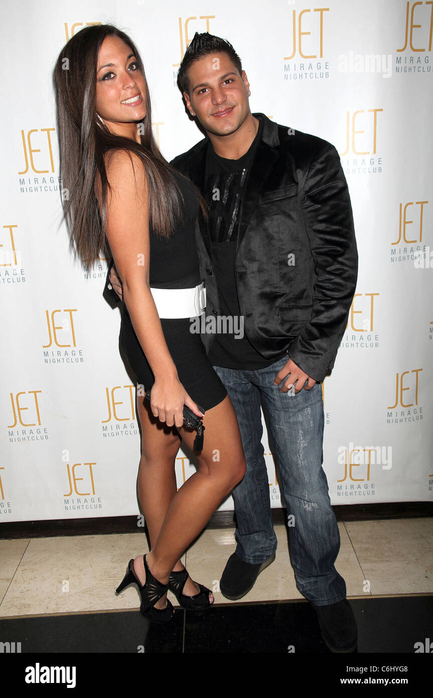 Reality stars Sammi Giancola and Ronnie Magro of 'Jersey Shore ...