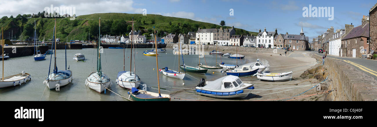 Panoramic view of Stonehaven Harbour Kincardineshire with small leisure craft and sandy beach - Stock Image