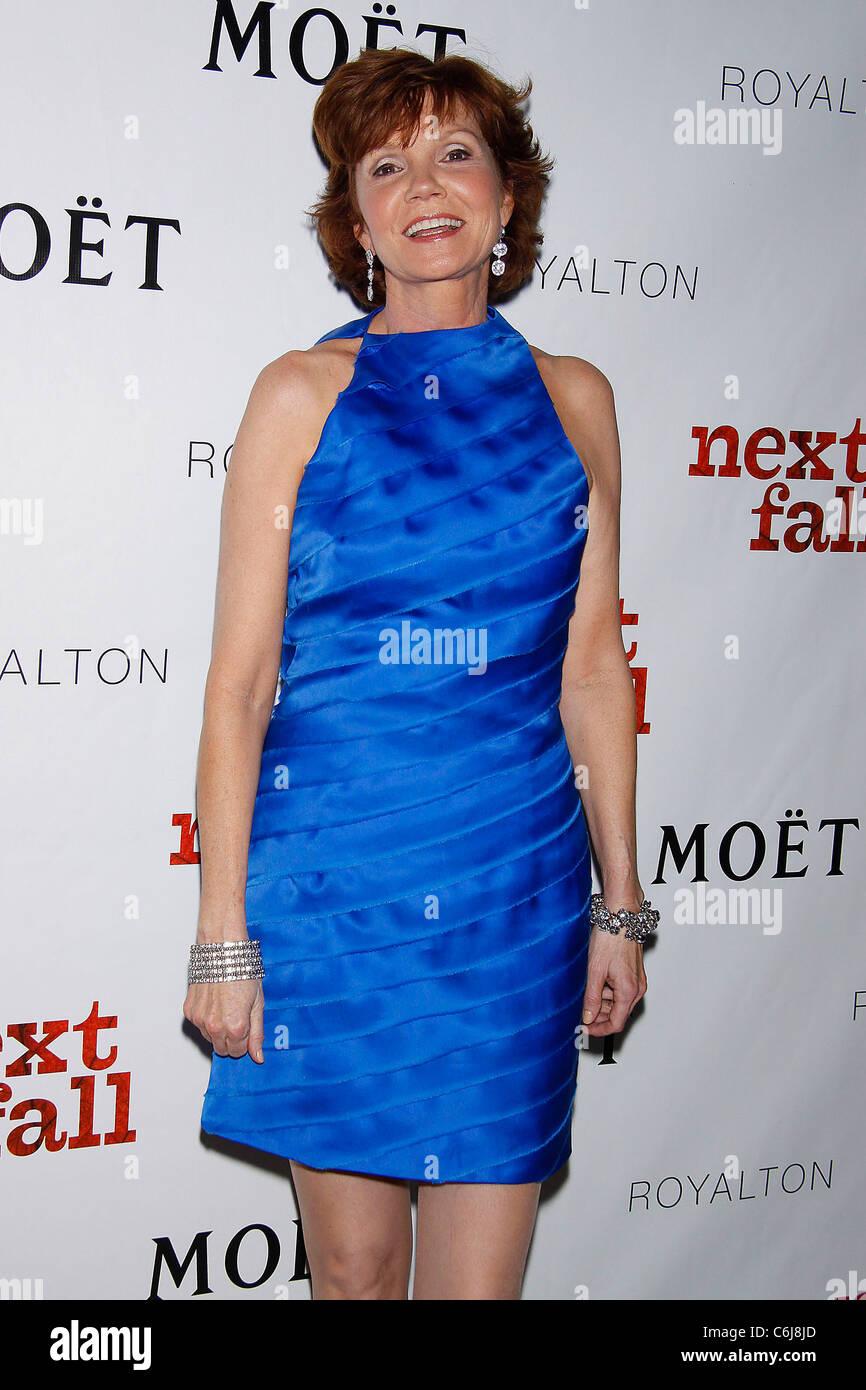 Suzanne Hall (born 1972)
