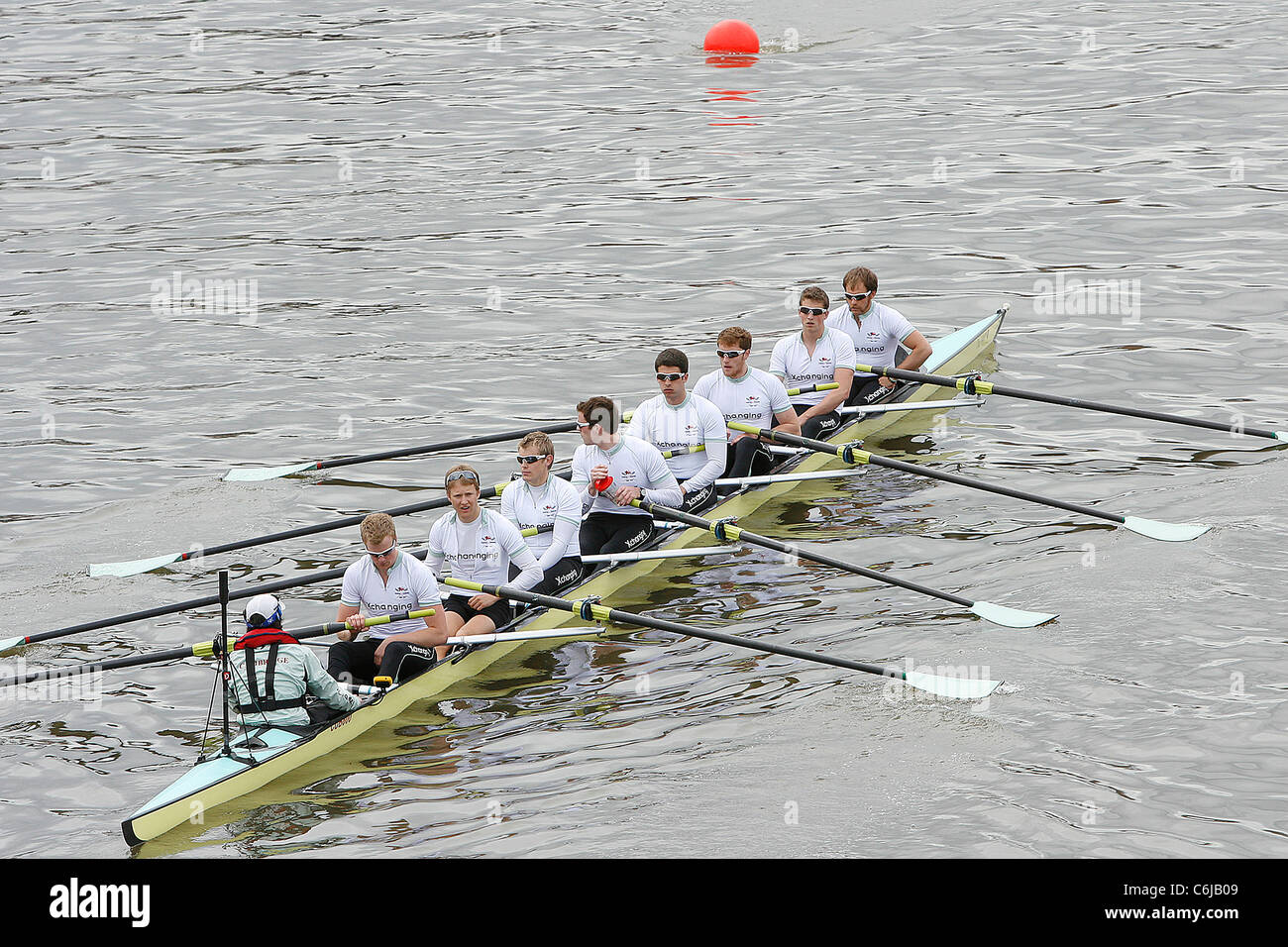 The Cambridge boat team wins at The 156th Oxford vs Cambridge boat race on River Thames London, England - 03.04.10 - Stock Image