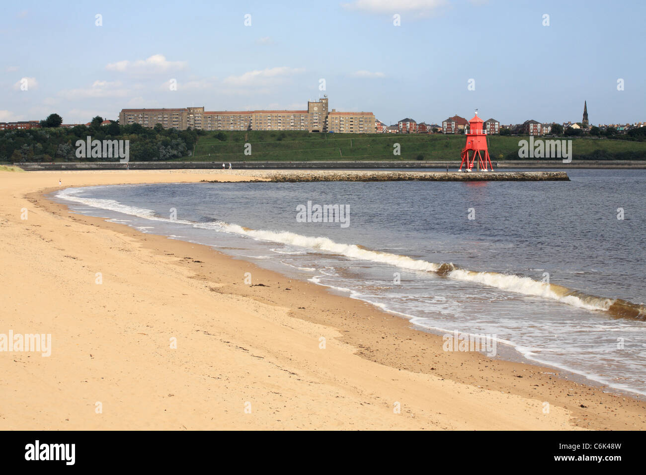 Littlehaven or Herd Sand beach and Groyne lighthouse at South Shields, North East England - Stock Image