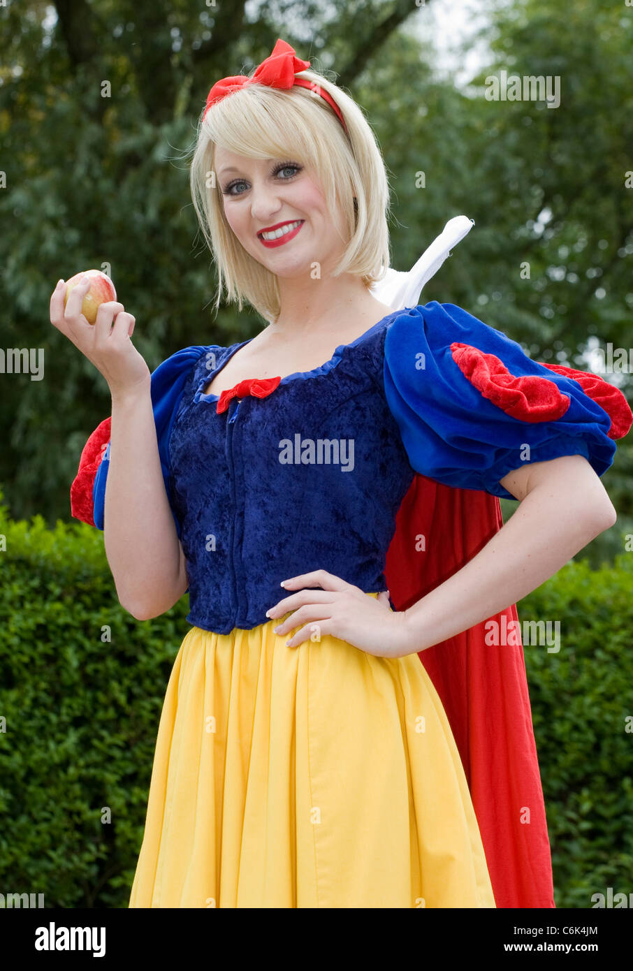 Actors and Actresses at the Promotional Launch of Snow White and the Seven Dwarfs, Stanley Park, Blackpool, Lancs, - Stock Image
