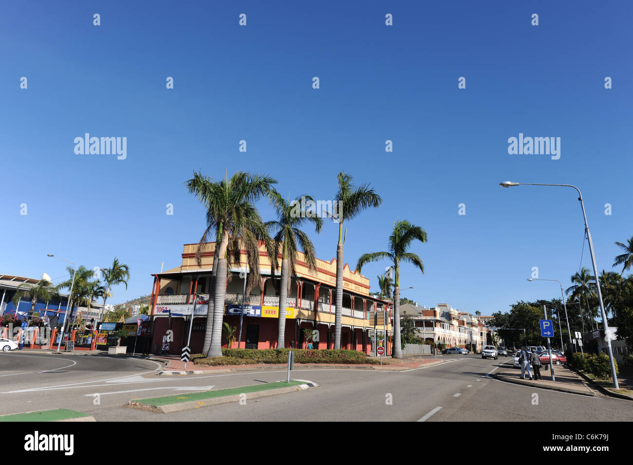 The Criterion Hotel (The Cri), on The Strand, Townsville, Queensland, Australia - Stock Image