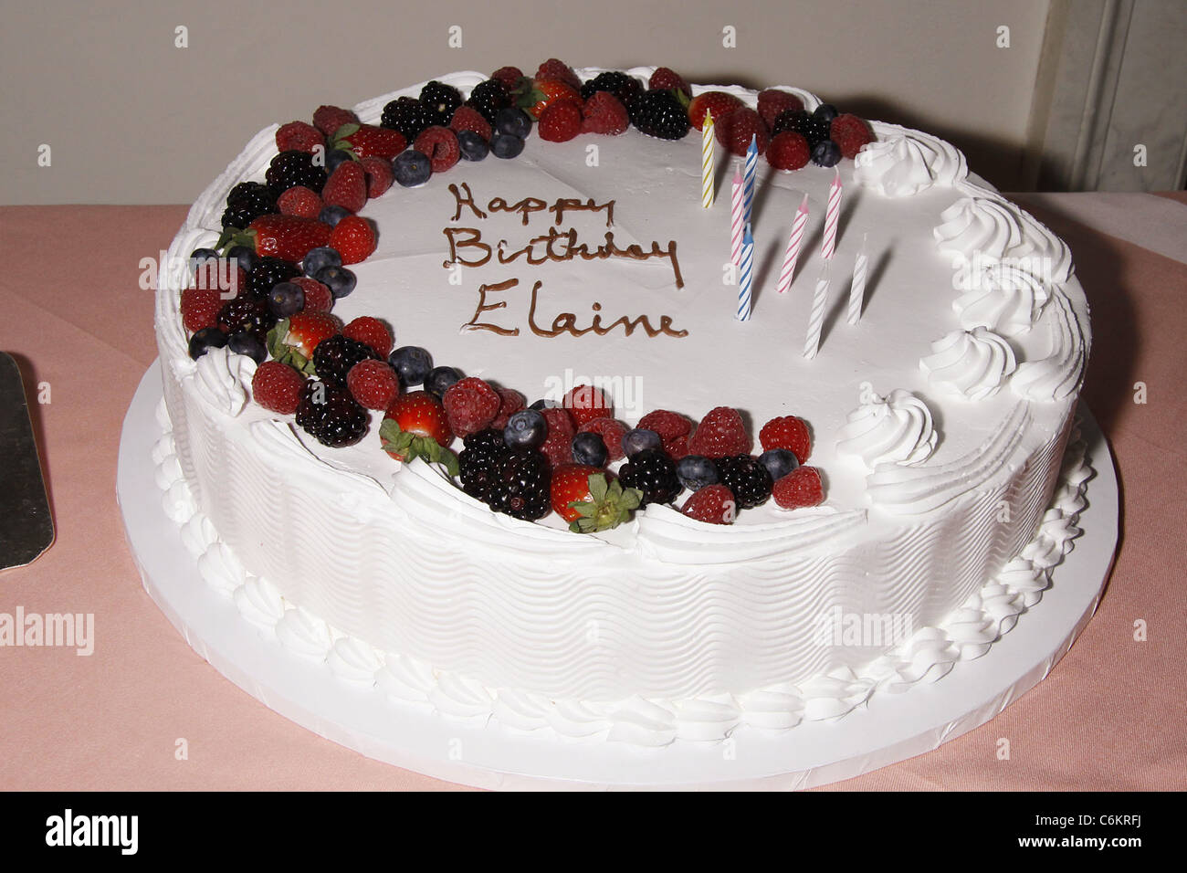 Elaine Stritch Birthday Cake Stritchs 85th Celebration At The Cafe Carlyle New York City