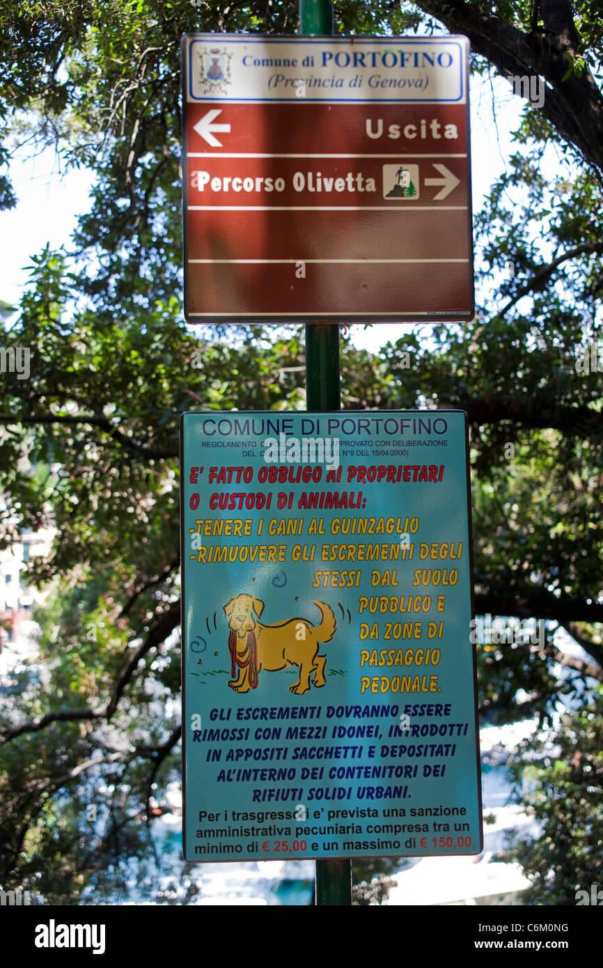 Penalty sign, dogs lead only, sign, Portofino, Liguria di Levante, italian riviera, Italy, Mediterranean sea, Europe - Stock Image