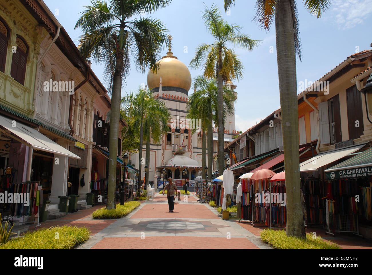 view to Masjid Sultan (Sultan Mosque), from pedestrianised Bussorah Street, (off Muscat Street) Singapore - Stock Image