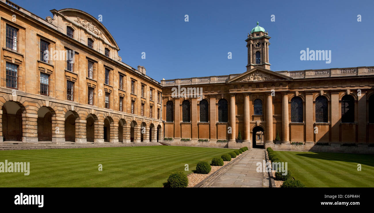 Front quad and main buildings at Queens college, Oxford, England - Stock Image