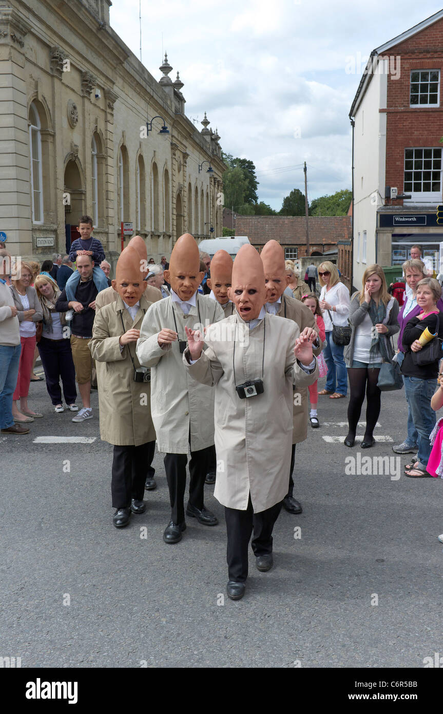 Street entertainers in Devizes Wiltshire UK - Stock Image