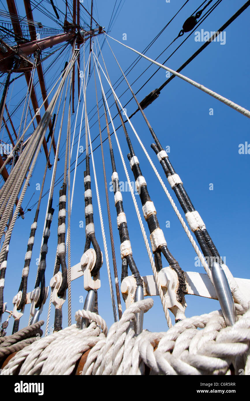Sail ship ropes - Stock Image
