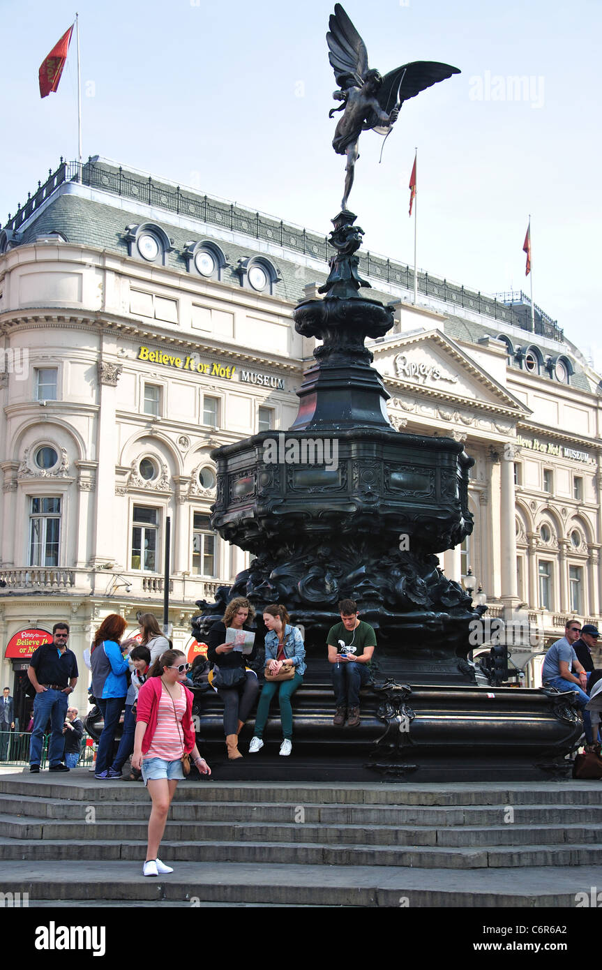 Memorial Fountain and Eros statue, West End, Piccadilly Circus, City of Westminster, Greater London, England, United - Stock Image