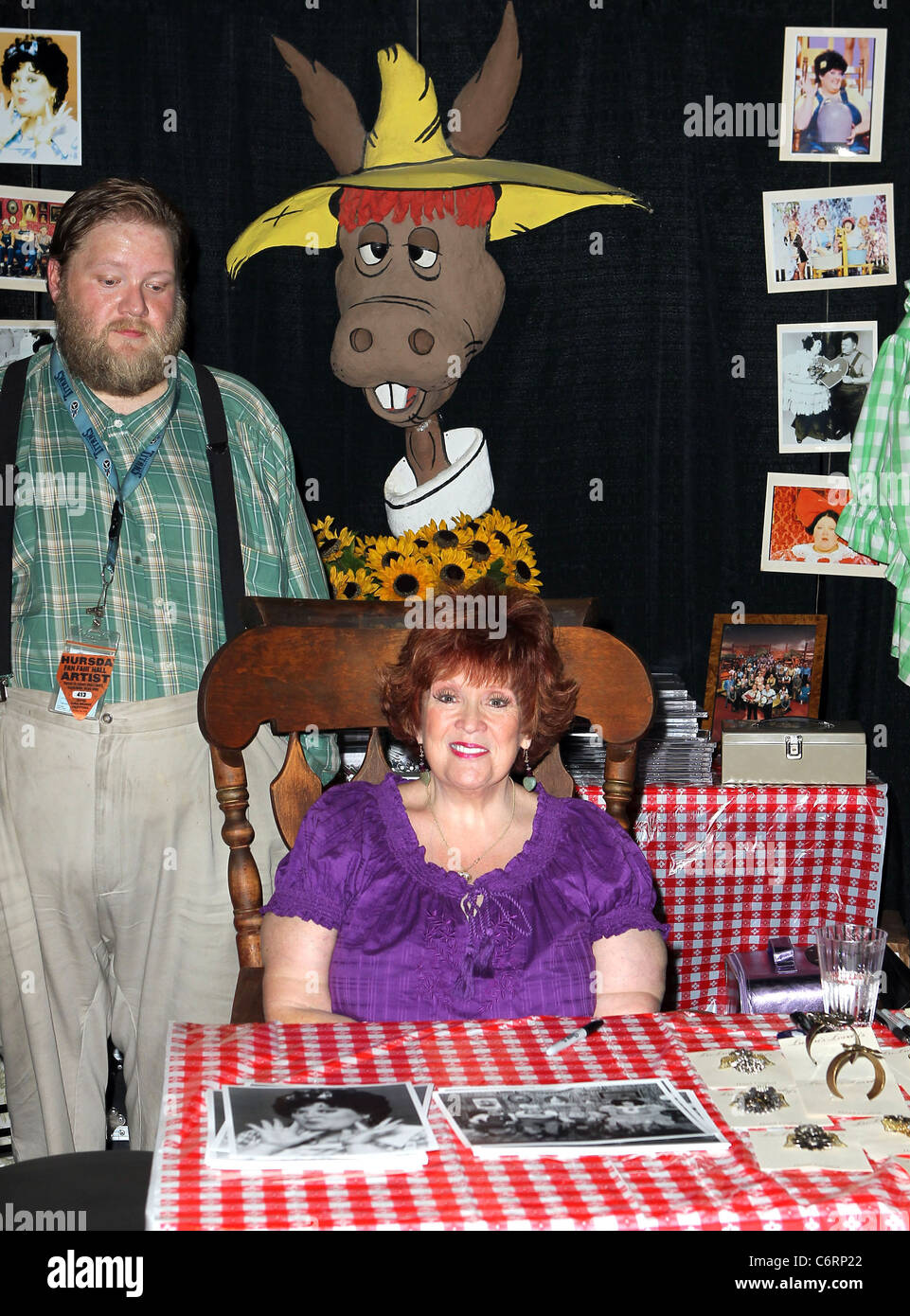 Lulu Roman Meet And Greet And Autograph Session At The 2010 Cma