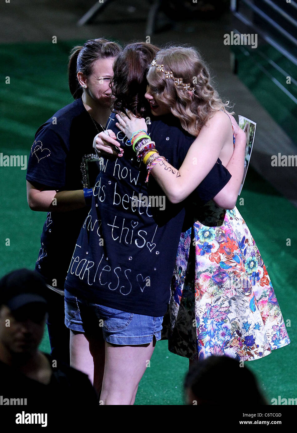 Taylor swift has a 13 hour meet greet with fans at the bridgestone taylor swift has a 13 hour meet greet with fans at the bridgestone arena during the 2010 cma music festival nashville m4hsunfo
