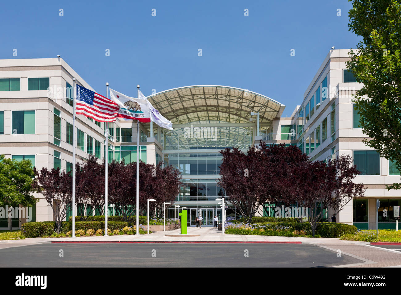 Apple Incorporated's corporate headquarters at 1-6 Infinite Loop, Cupertino, California, USA. JMH5188 - Stock Image