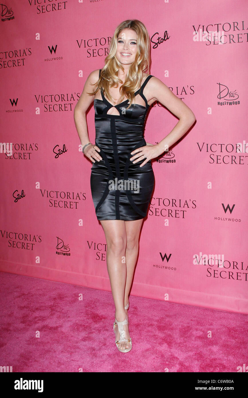 20acb13cc0 Doutzen Kroes Victoria s Secret Supermodels Celebrate the Reveal of the 2010   What Is Sexy   List held at Drai s at W Hollywood