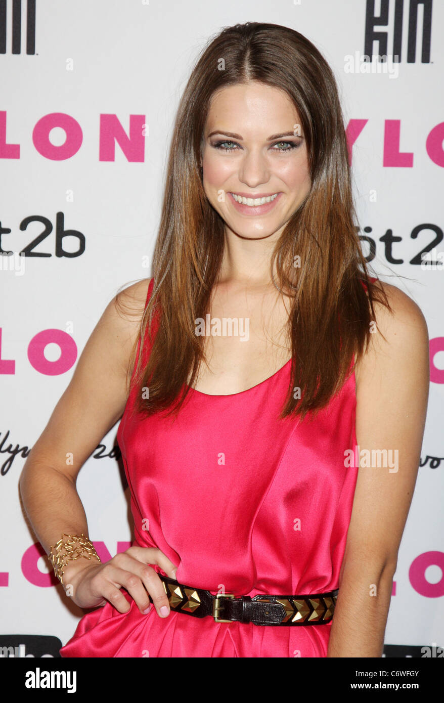 Young Lyndsy Fonseca naked (85 photo), Topless, Is a cute, Feet, see through 2018