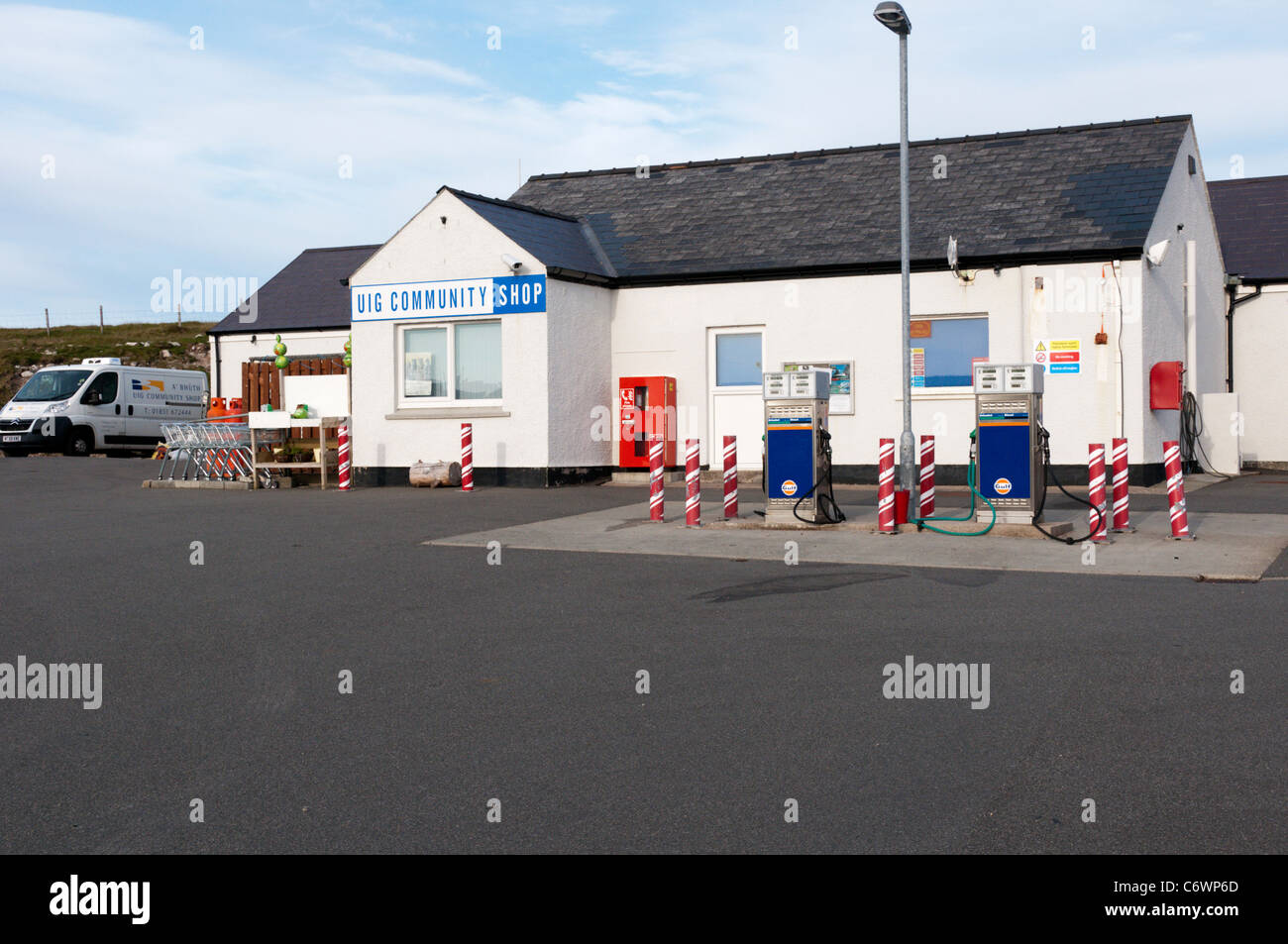 Uig filling station and Community Shop at Timsgearraidh on the Isle of Lewis, Outer Hebrides, Scotland - Stock Image