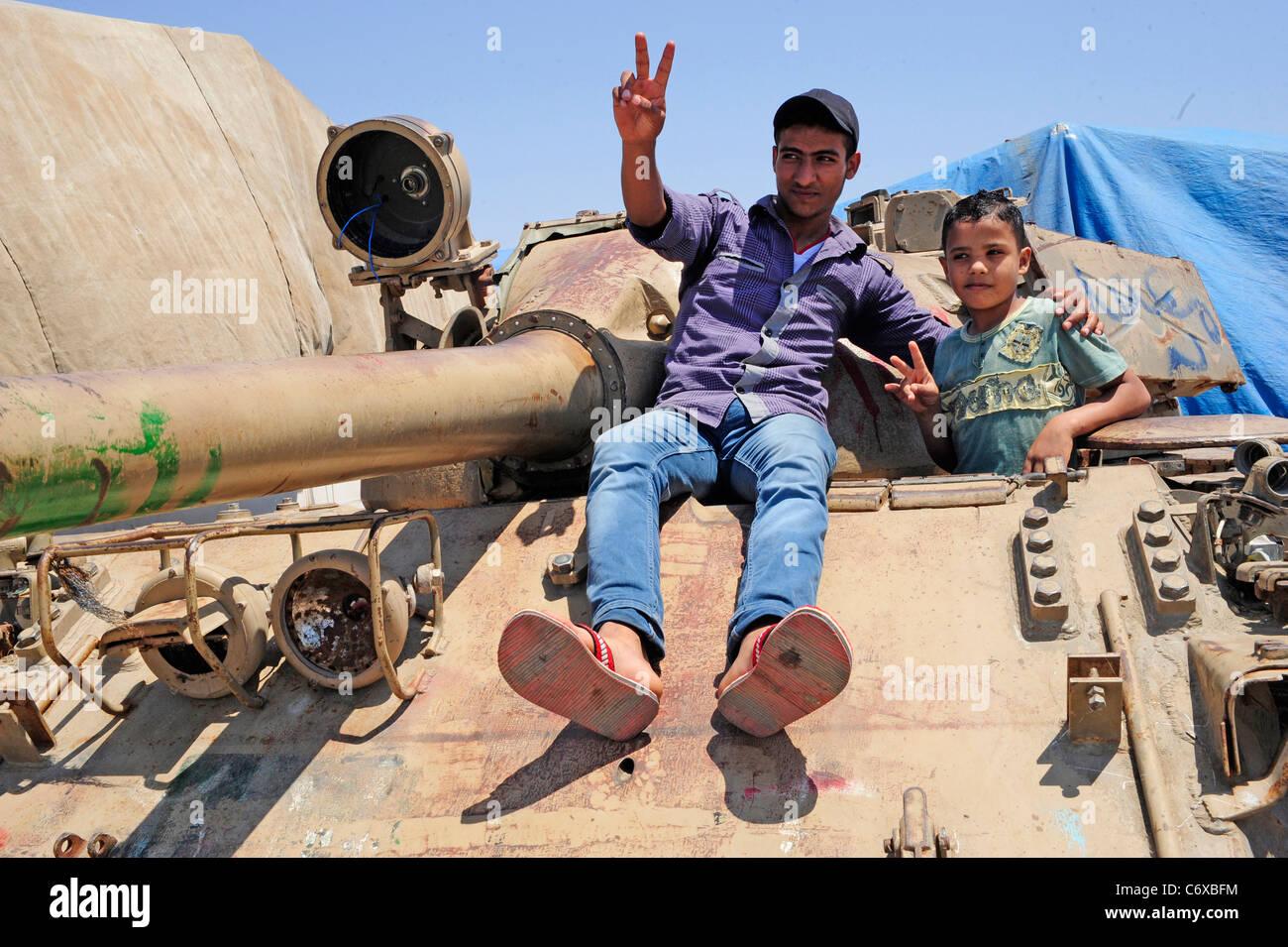 Libyer tackar nato