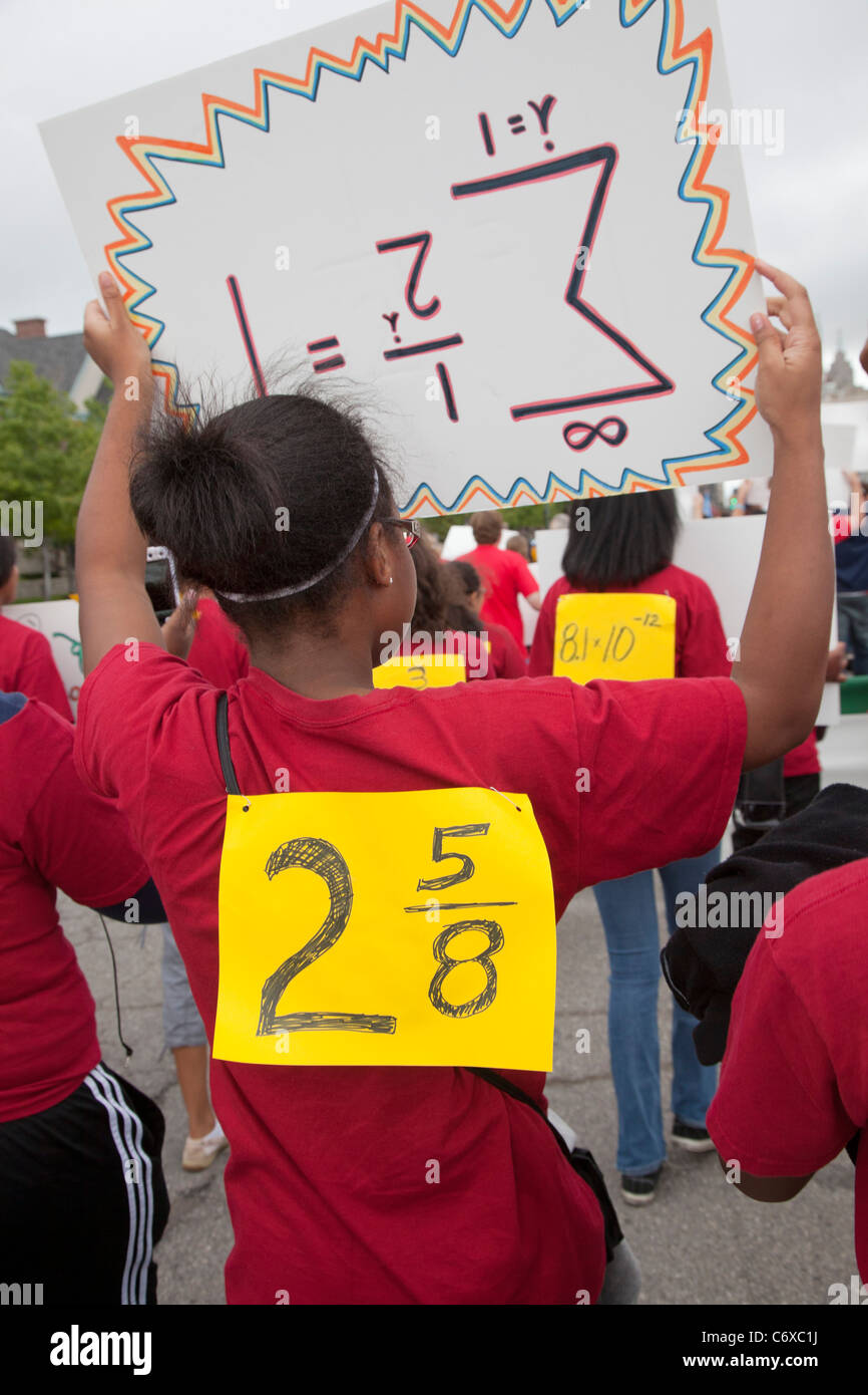 Detroit, Michigan - High school students in the Wayne State University Math Corps program march in the Labor Day - Stock Image