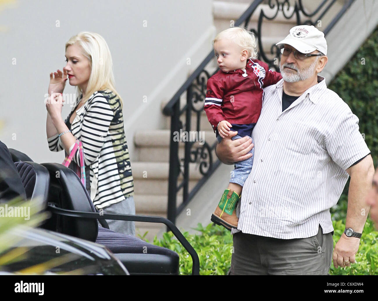 Gwen Stefani and Zuma Rossdale with his Grandfather (Gwens ...
