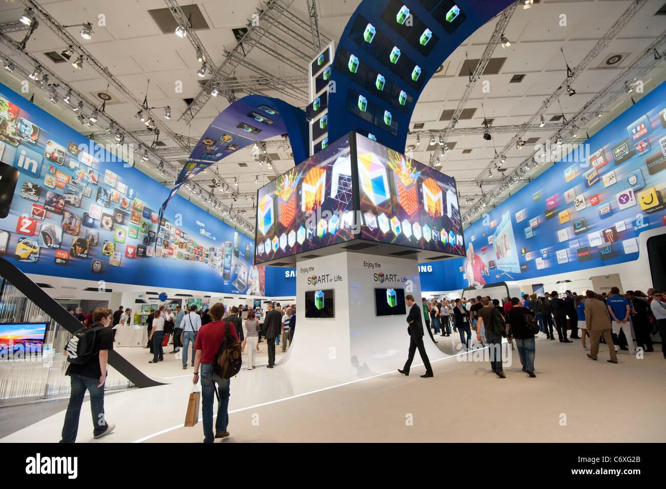 Samsung Electronics Stock Photos & Samsung Electronics Stock