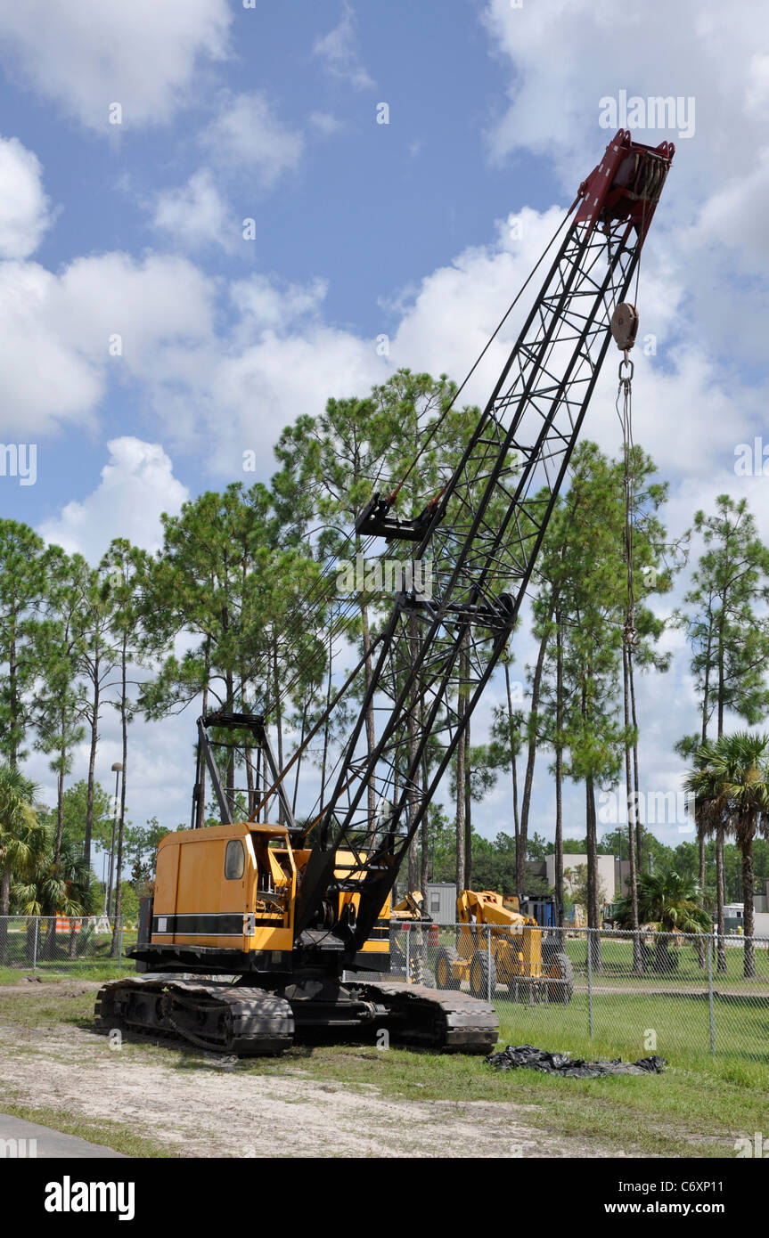 Large construction crane at a worksite - Stock Image