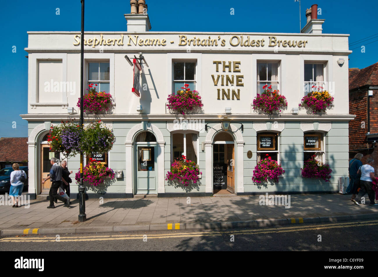The Vine Inn Shepherd Neame Pub Tenterden Kent UK Pubs - Stock Image