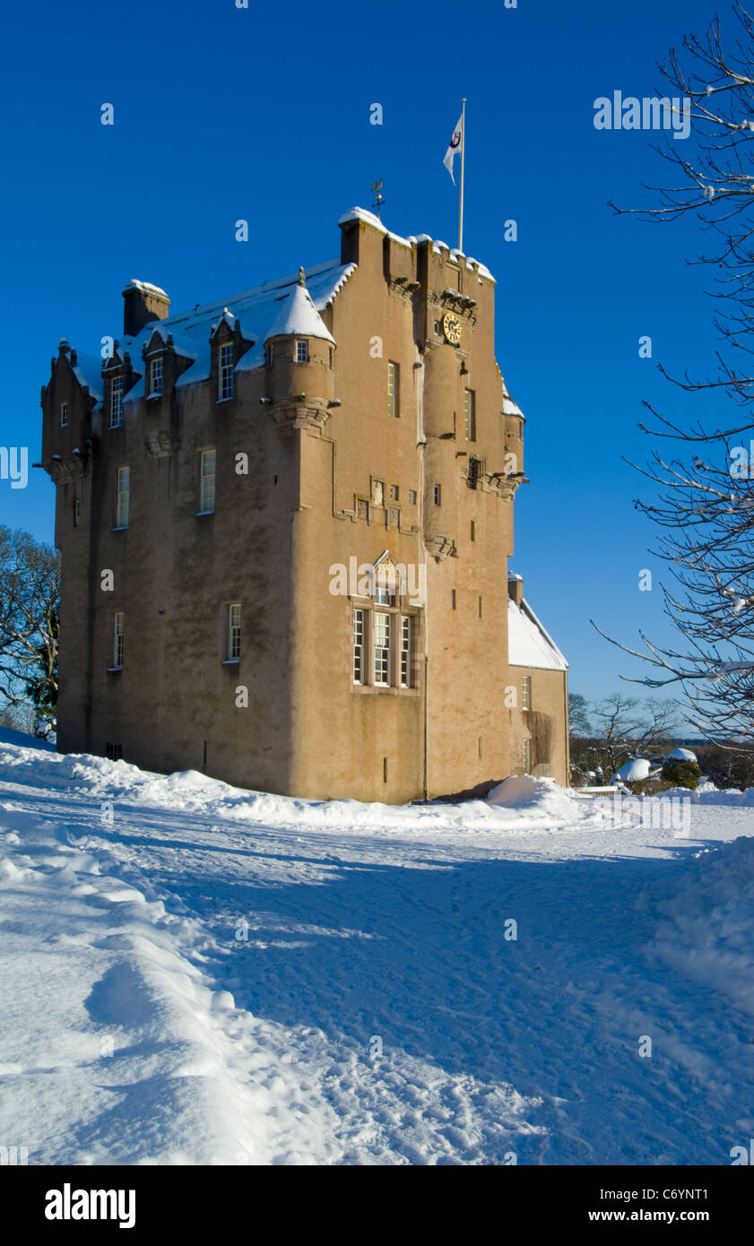 Crathes Castle in the snow, near Banchory - Stock Image