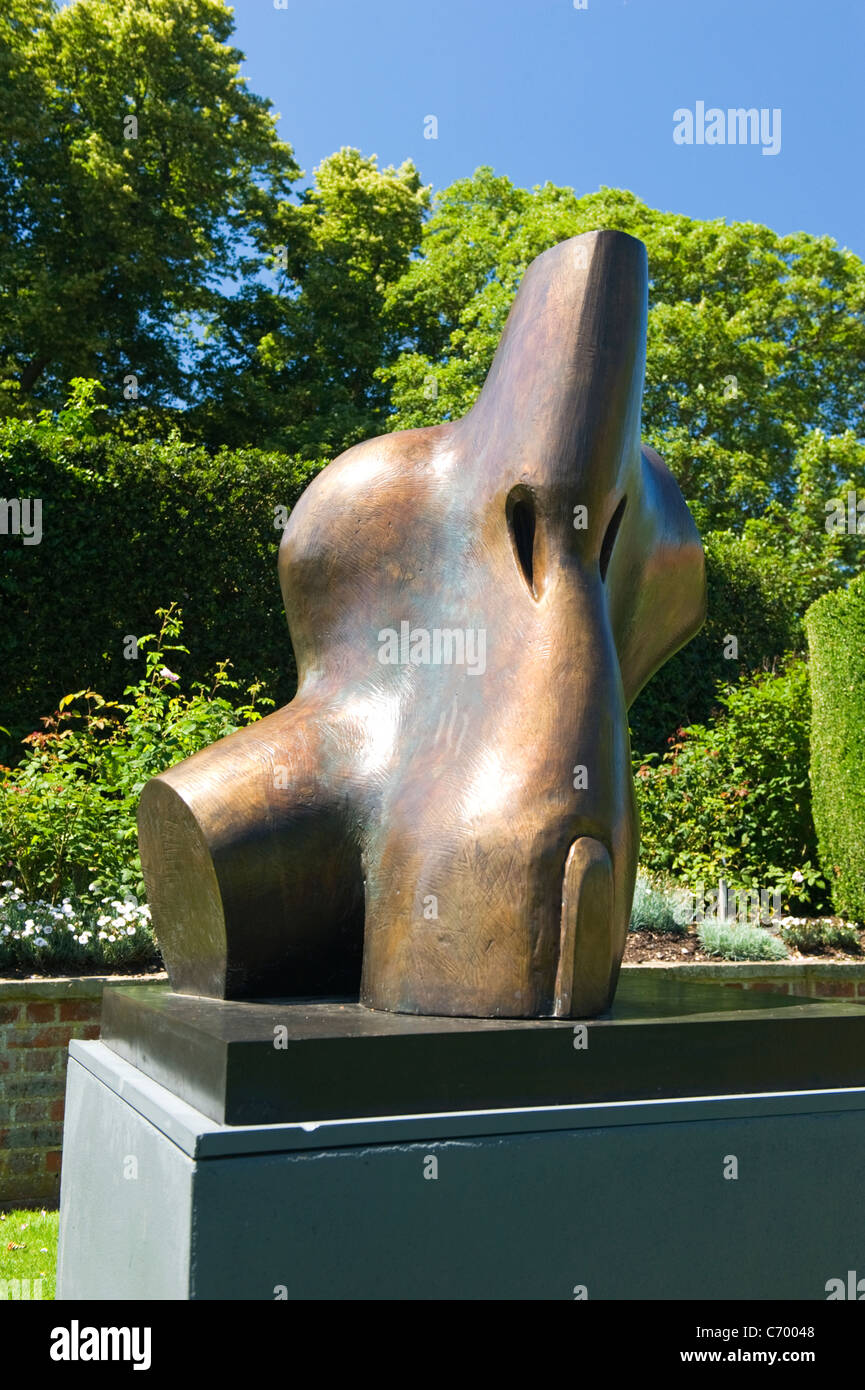 Metal Statue Henry Moore Stock Photos Amp Metal Statue Henry