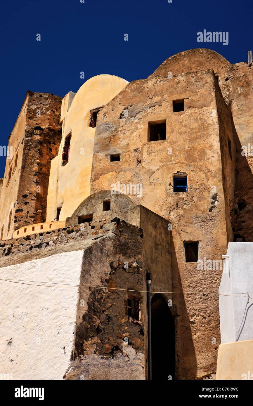The 'Kastelli' ('small castle') of Emboureios village, Santorini island, Cyclades, Greece - Stock Image
