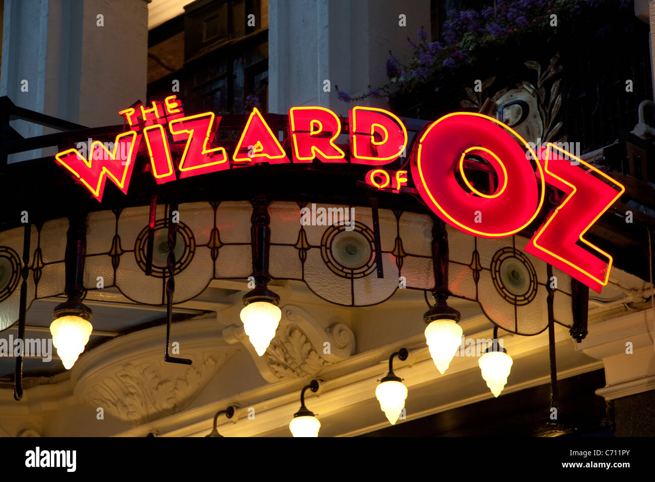 'Wizard of Oz at the Palladium Theater, West End, London - Stock Image