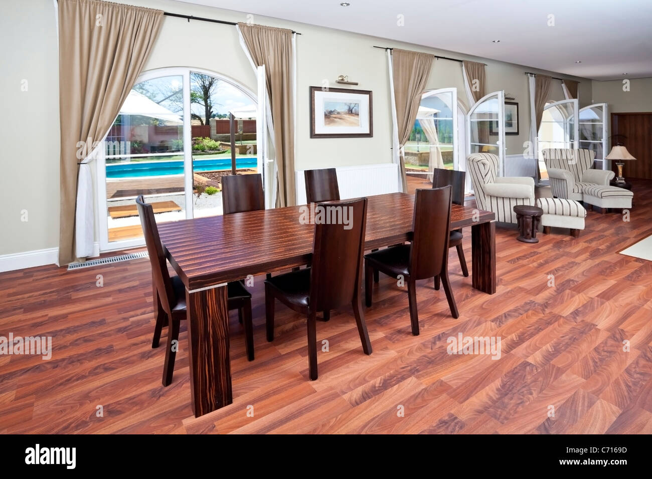 Modern dining room w chairs Stock Photo
