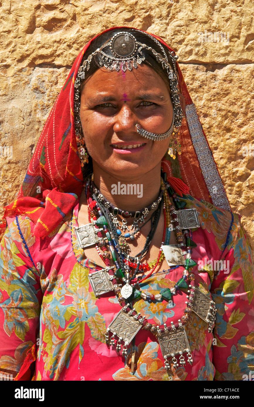 Portrait tribal woman wearing tribal jewellery Jaisalmer Western Rajasthan  India Stock Photo - Alamy