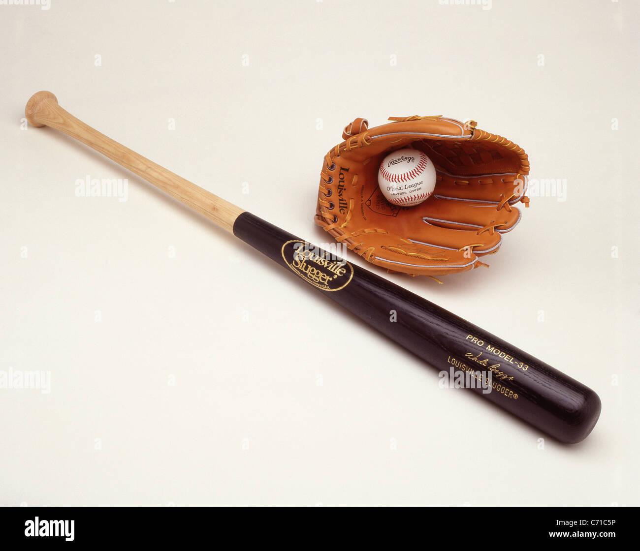 'Louisville Slugger' baseball bat, ball and mitt, United States of America - Stock Image