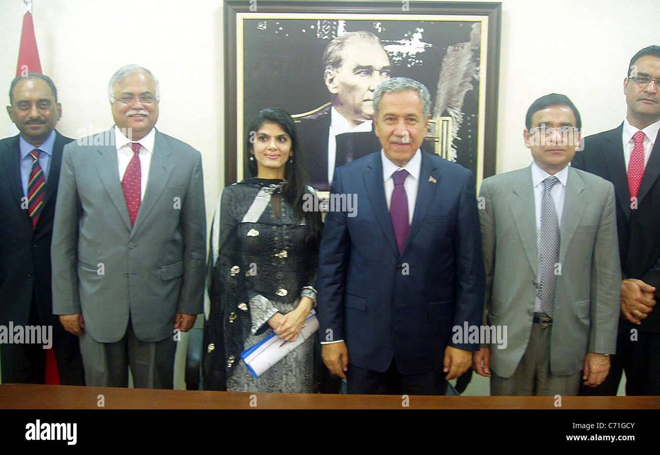Pakistan Delegation led by Senator Syeda Sughra Imam with Turkey Deputy Prime Minister - Stock Image