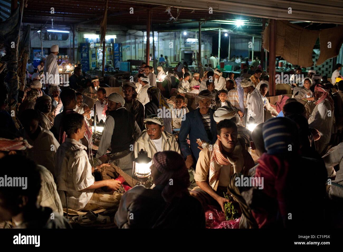 The night khat market in Zabid, Yemen. - Stock Image