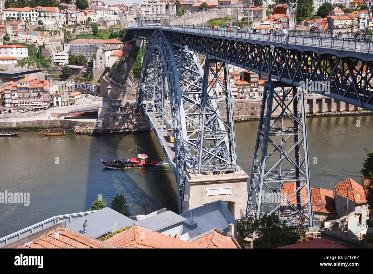 Ponte Dom Luis, iron railway and road bridge built by Eiffel over River Douro, Porto - Stock Image
