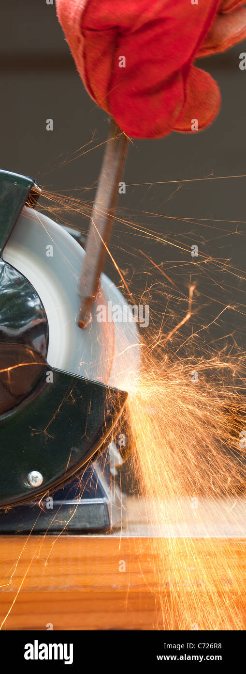 Awesome Bench Grinder Stock Photos Bench Grinder Stock Images Alamy Pabps2019 Chair Design Images Pabps2019Com